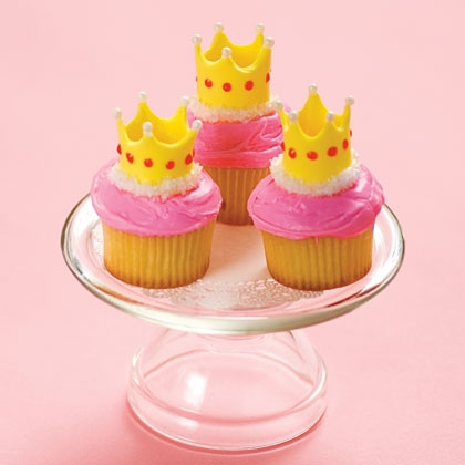 queen-for-a-day-cupcake-recipe-photo-420-FF0510TOTMA02